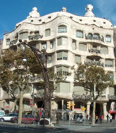 Stijl Van Gaudi.Antonio Gaudi